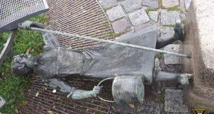 Ida Schuhmacher Denkmal am Viktualienmarkt umgestürzt