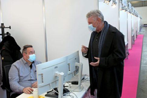 OB Dieter Reiter im neuen Zentrum Corona Contact Tracing Teams Messe München