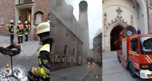 Adventskranz geht im Münchner Dom in Flammen auf