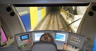 C2 Zug U-Bahn Fahrerstand bei Vorstellung im Jahr 2014