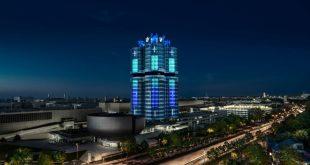 Lichtinstallation BMW Hochhaus in München zur IAA Mobility