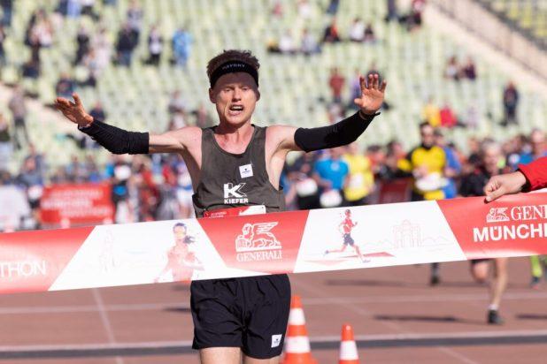 Alexander Hirschhäuser Gewinner des München Marathon 2021 und deutscher Meister