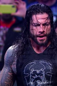 Roman Reigns faces Robert Roode in Tables Match on SmackDown