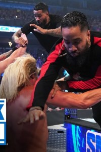 The Usos rush to the aid of Roman Reigns – SmackDown, Jan. 3, 2020