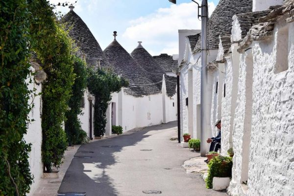 old towns in alberobello italy