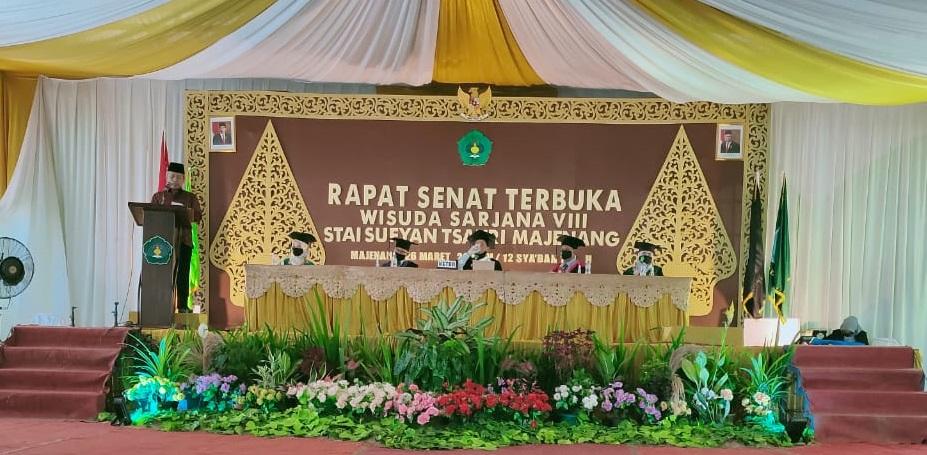 Hadir Wisuda STAI Sufyan Tsauri, Sekjen Kemenag Ingatkan Transformasi Ekosistem Pendidikan di Era 4.0