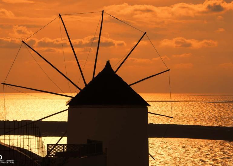 Photographe d'illustration Oia coucher de soleil