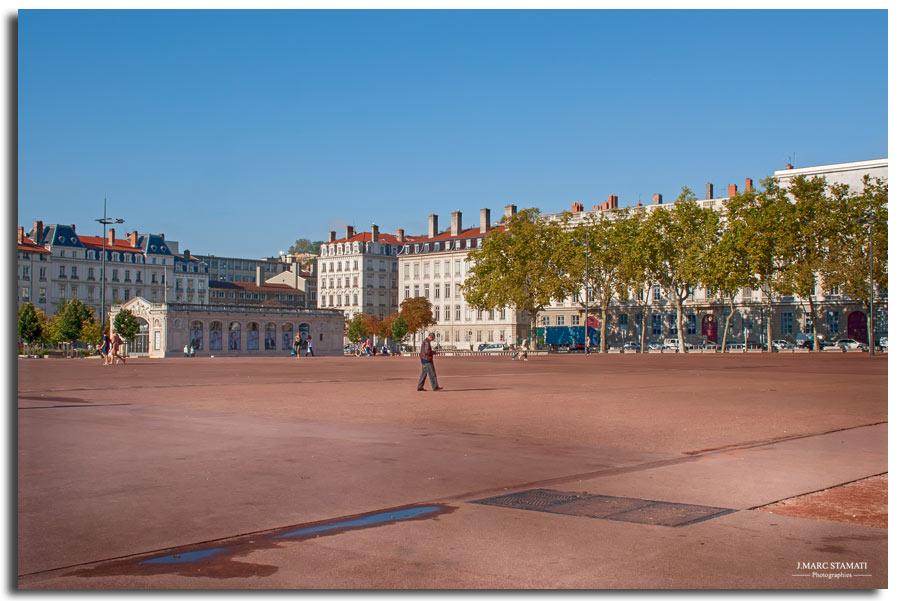 Lyon place belllecour, photographe j.marc Stamati