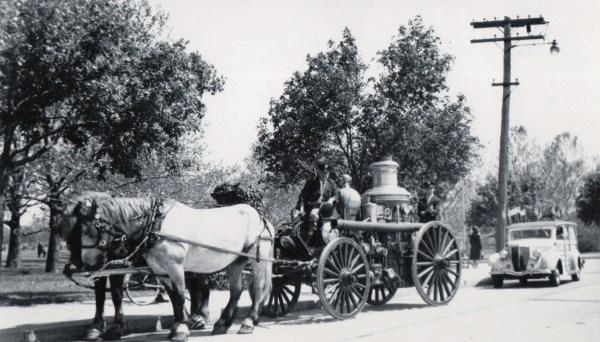 1945 05 19 - 1906 Amoskeag Engine at Halloween Park