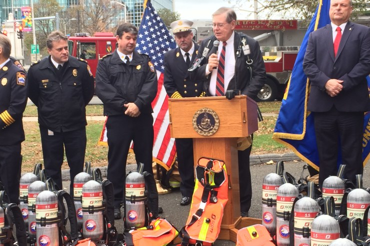 Mayor, Fire Chief Announce New Breathing Apparatus for Fire Department