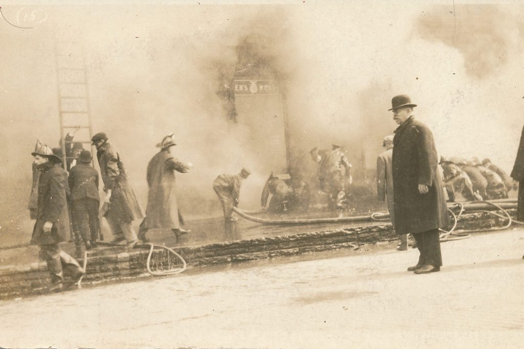 1913-03-23-beehler-hat-store-fire