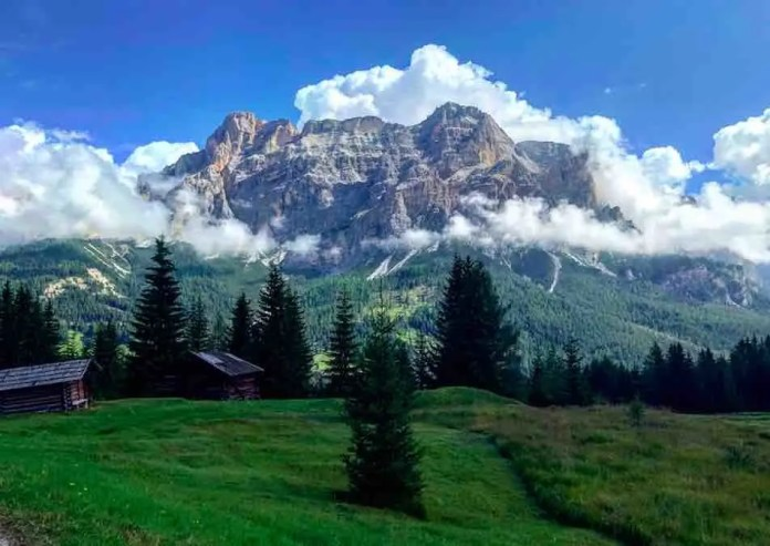 Montagne e nuvole in Val Badia