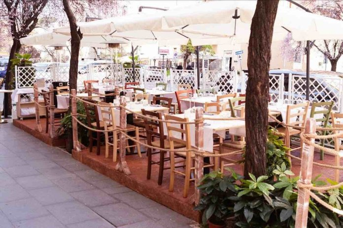 Dove mangiare: The Fisherman Burger, l'area esterna del ristorante