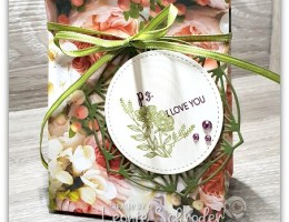 Pretty Petal Promenade Gift Bag by Leonie Schroder Independent Stammpin' Up! Demonstrator Australia