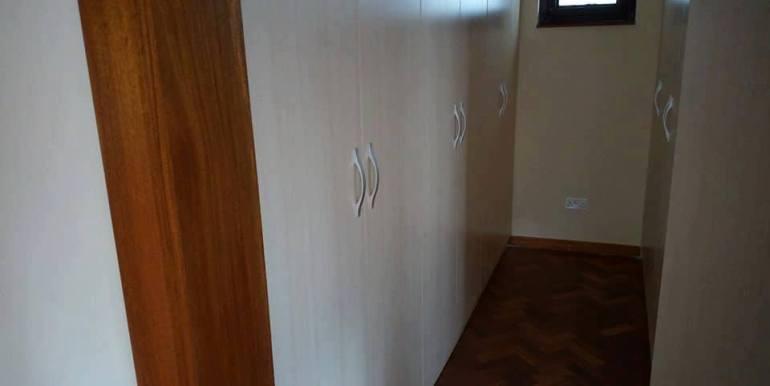Four Bedroom Maisonette For Sale in Karen