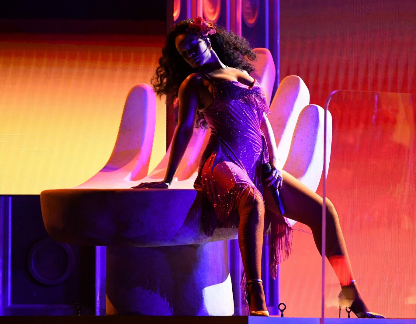 Rihanna's raunchy performance of