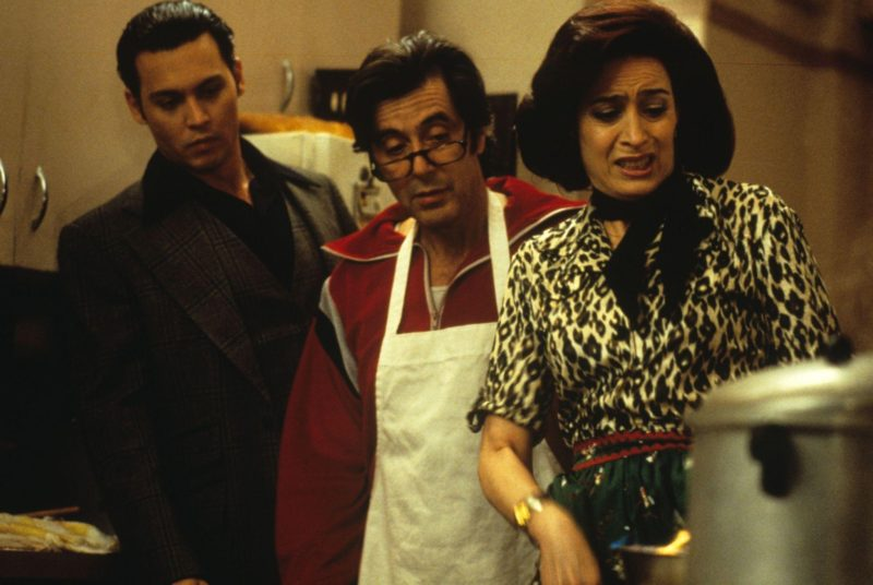 https://i1.wp.com/www.standbyformindcontrol.com/wp-content/uploads/2015/05/still-of-johnny-depp-and-al-pacino-in-donnie-brasco-1997-large-picture.jpg