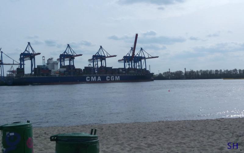 Ik fotografeerde prullenbakken in de haven - Standort Hamburg