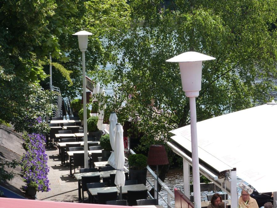 Hamburgse zomer: op een terras aan de Alster