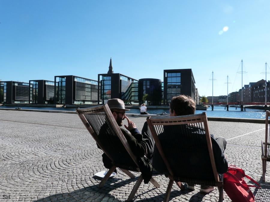 Terras bij de zwarte diamant - Standort Hamburg