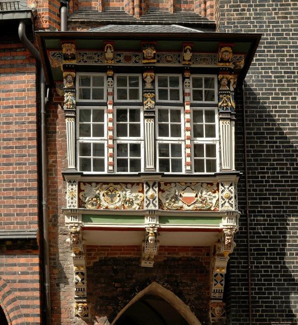 Rathausbalkon_Luebeck-Peter Haas_CCBYSA3.0