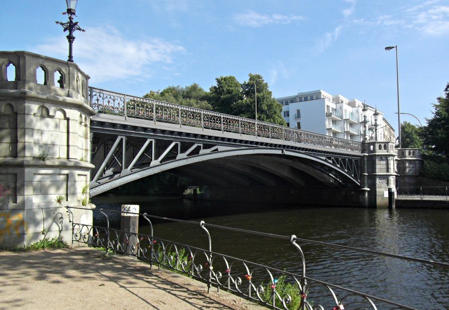 AltSylt CC BY-SA 4.0 Schwanenwikbrücke | Bruggen in Hamburg