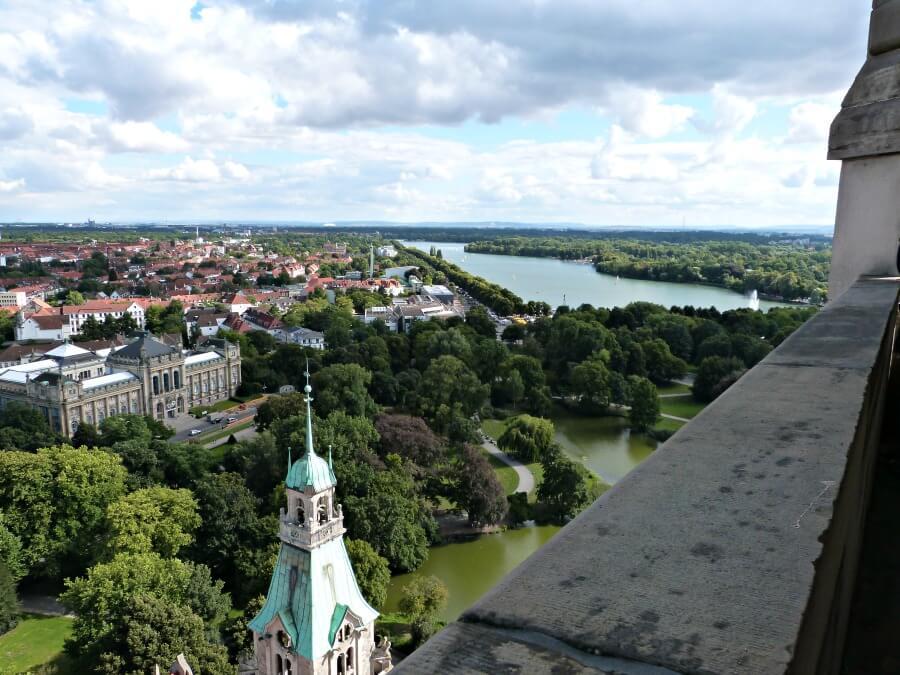 Uitzicht over Hannover vanaf de koepel in het Rathaus | Standort Hamburg