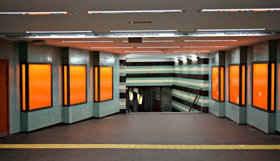 Kleurrijke stations Hamburg: Klosterstern