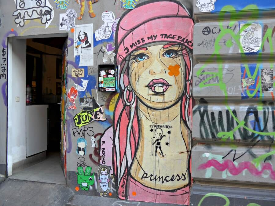 Tour in Hamburg: Street art