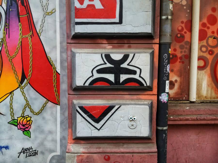Street Art in Hamburg: astra-puzzel in St. Pauli | Standort Hamburg
