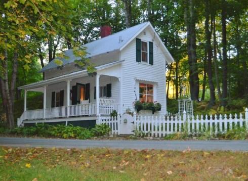 Tiny Houses For Farm Style Retreats