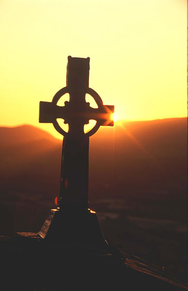 P33 Celtic Cross at sunrise
