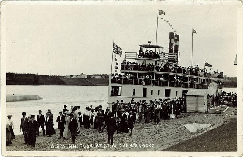 S. S. Winnitoba at St. Andrew's Locks, 1910.