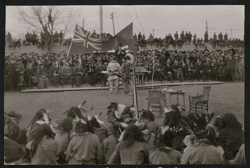 Sir Robert Kindersley addressing crowd at Lower Fort Garry, Manitoba. ca 1920
