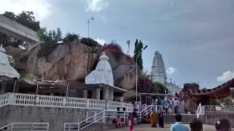 Birla Mandir, The temple manifests a blend of Dravidian, Rajasthani and Utkala architectures.