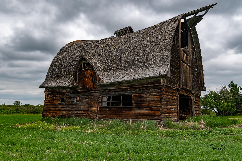 Abandoned barn in Valhalla Alberta