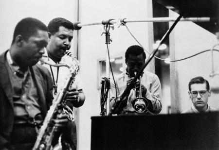 John Coltrane, Julian «Cannonball» Adderley, Miles Davis et Bill Evans en studio