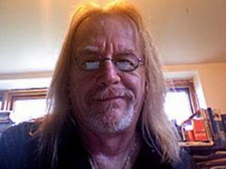 Le poète Roger Desroches, grand amateur de dry martinis devant l'Éternel