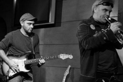 Le guitariste Eric Asswad et le cornettiste Charles Imbeault d'Ekotones (gracieuseté du journal Voir)