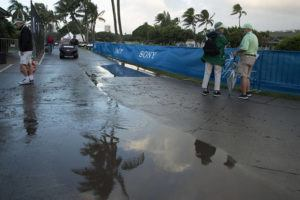 CRAIG T. KOJIMA /CKOJIMA@STARADVERTISER.COM                                 Rain dampened the ground near the first hole of the 2020 Sony Open at Waialae Country Club.