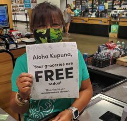 COURTESY FOODLAND                                 Kupuna at Foodland's Hawaii supermarkets were surprised with free groceries this morning, thanks to an anonymous donor.
