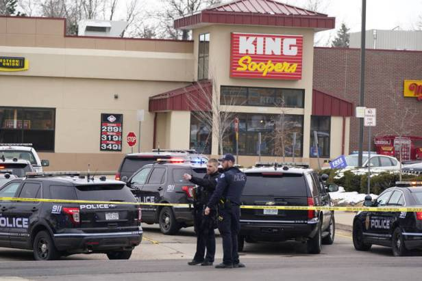 10 people, including police officer, killed in shooting at Colorado supermarket; suspect arrested