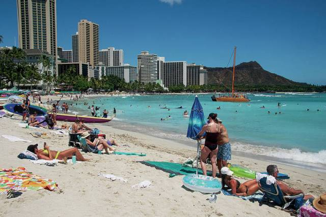 Hawaii residents support limits on tourism, survey finds