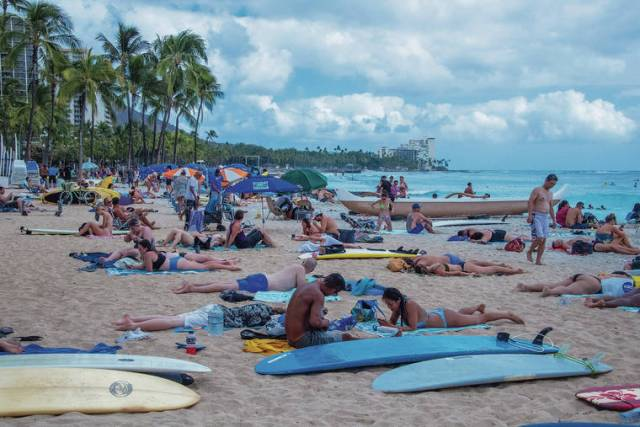 Tougher Hawaii travel restrictions possible as COVID-19 surge continues