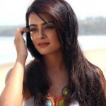 Surveen Chawla Height, Weight, Age, Husband, Family, Wiki, Biography