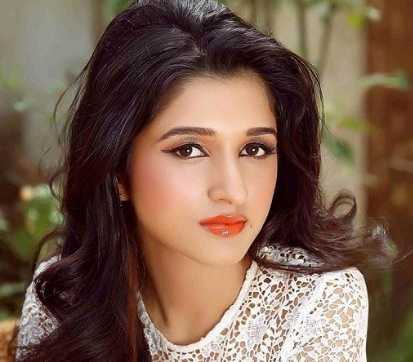 Nidhi Shah Height, Weight, Age, Wiki, Biography, Boyfriend, Family