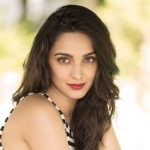 Kiara Advani Height, Weight, Age, Wiki, Biography, Husband, Family