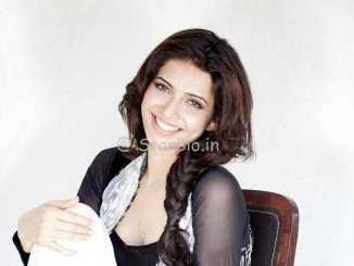 Karishma Tanna Wiki, Age, Family, Caste, Boyfriend, Controversy, Biography & More – WikiBio