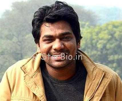 Zakir Khan Height, Weight, Age, Wiki, Biography, Wife, Family, Profile