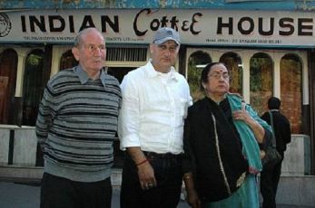 Anupam Kher With His Father and Mother